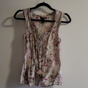Sleeveless shirt floral